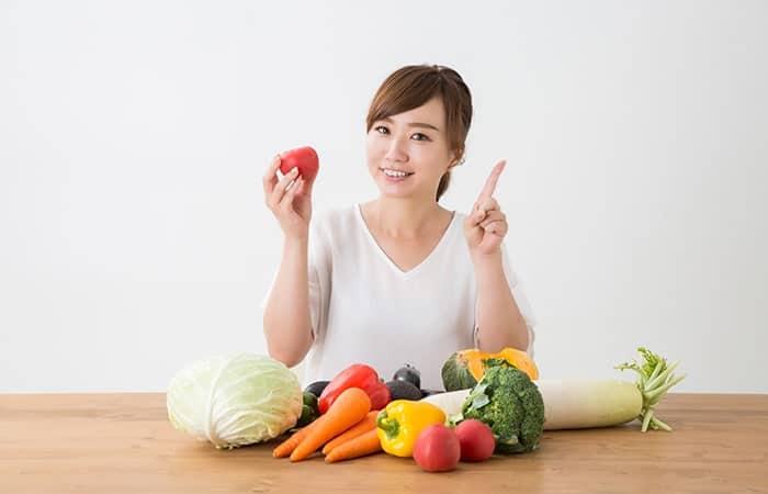 野菜・果物と女性